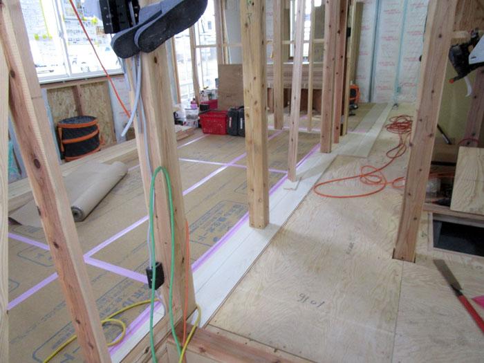 床材の施工